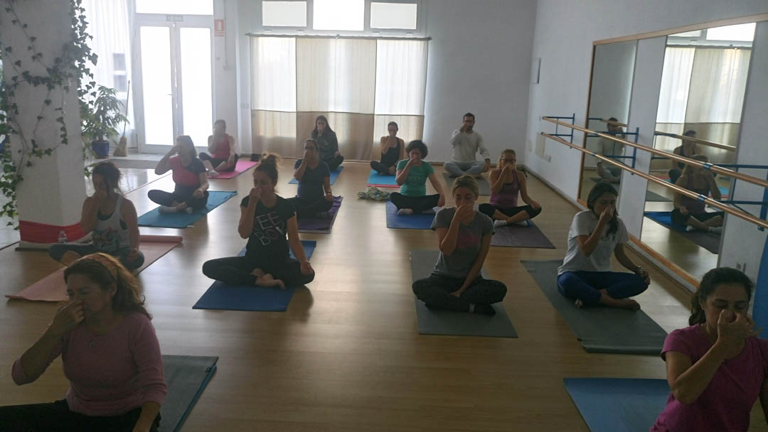Yoga con Jesús Medina en Fuerteventura