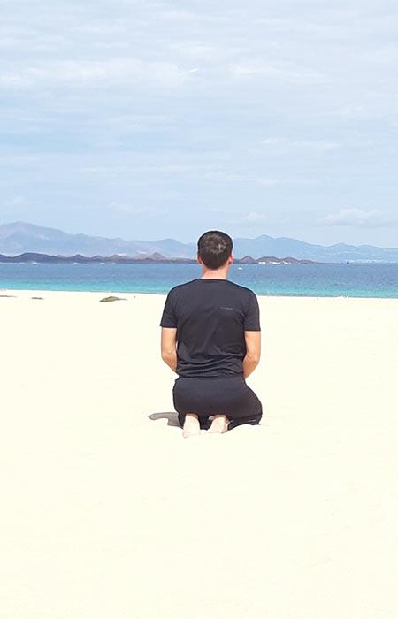 Yoga en playa fuerteventura